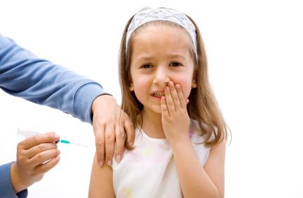 Voormalig wetenschapper Britse overheid waarschuwt voor gevaren BMR-vaccinatie