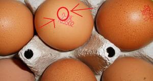 """Hoe kun je voorkomen dat je """"foute"""" en onsmakelijke eieren koopt?"""