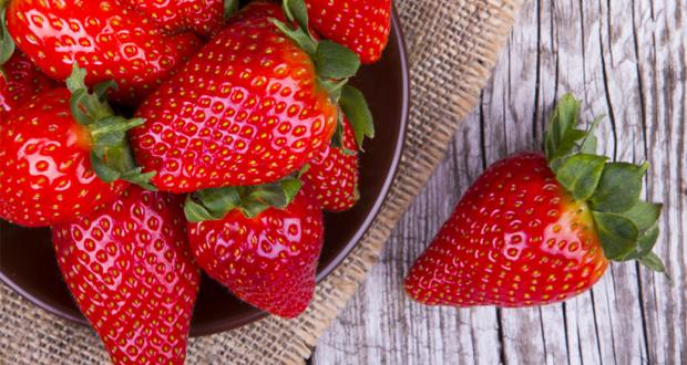 Huismiddeltjes om tandsteenvorming tegen te gaan: rood fruit