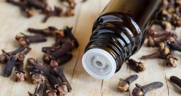 De 9 gezondheidsvoordelen van kruidnagelolie